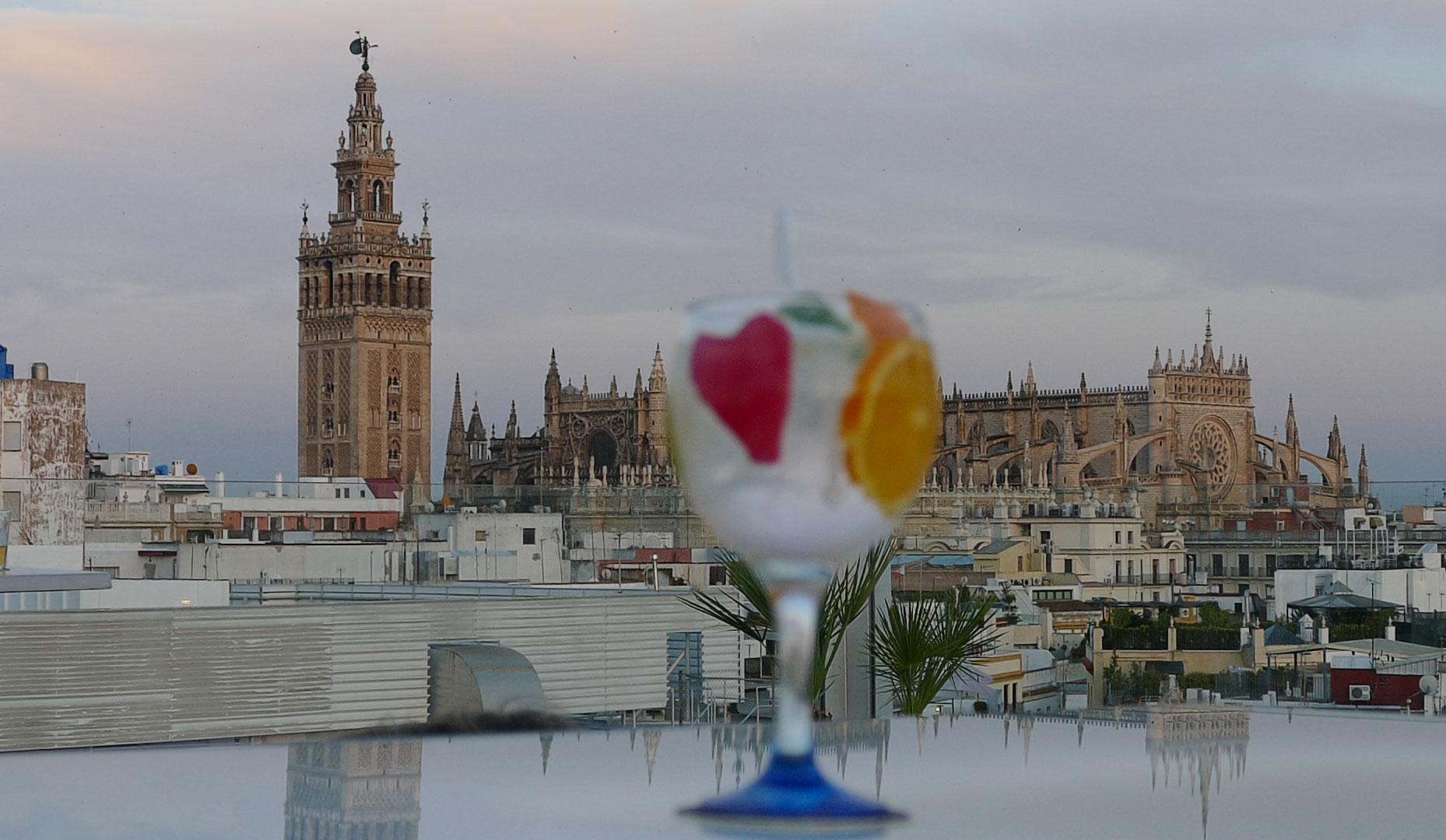 Terraza del Hotel Inglaterra, en Sevilla