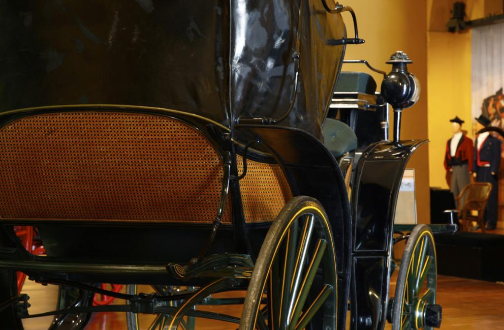 coche exposicion museo carruajes sevilla