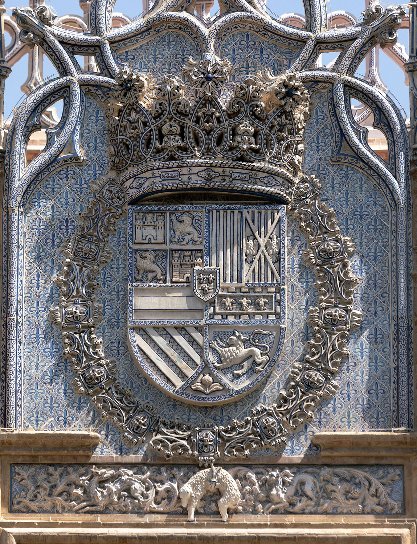 pabellon real parque maria luisa sevilla heraldica