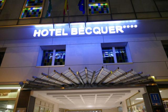 Fachada Hotel Becquer