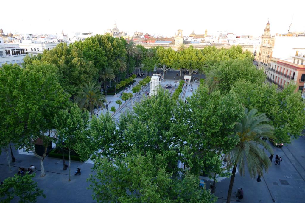 Vista de la Plaza Nueva desde La Terraza del Hotel Inglaterra de Sevilla