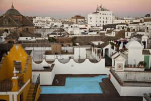 Terraza-Piscina-Bar del hotel Las Casas de la Judería de Sevilla