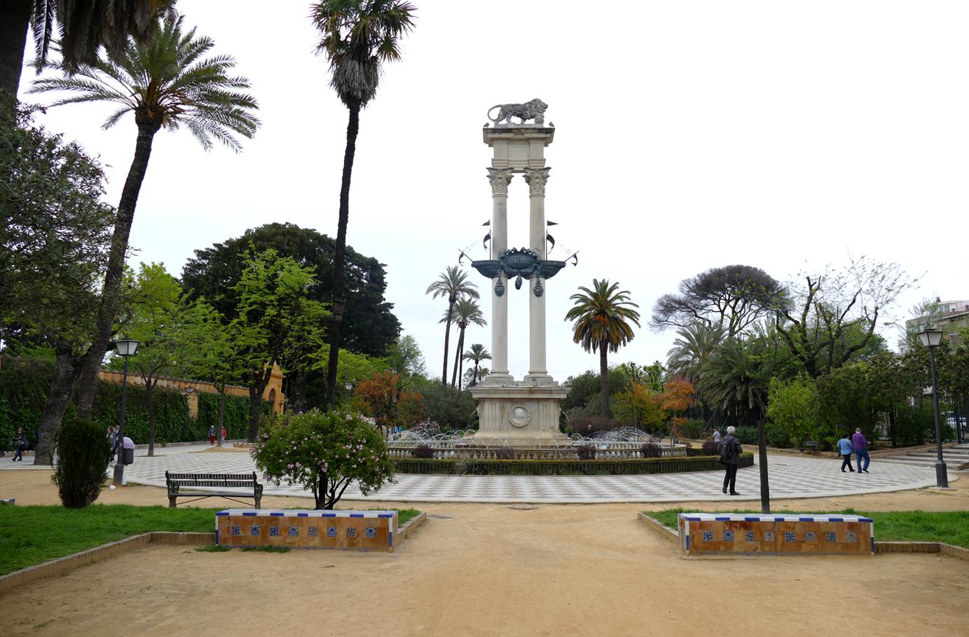 Monumento Colon Jardines Murillo
