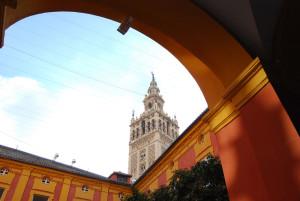 Giralda patio Palacio Arzobispal Sevilla