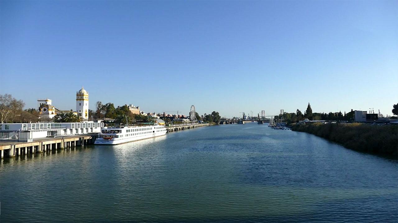 darsena rio guadalquivir sevilla