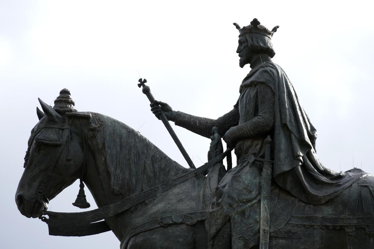 Estatua San Fernando Plaza Nueva Sevilla