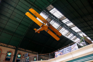 aeroplano cubierta antigua estacion cordoba sevilla