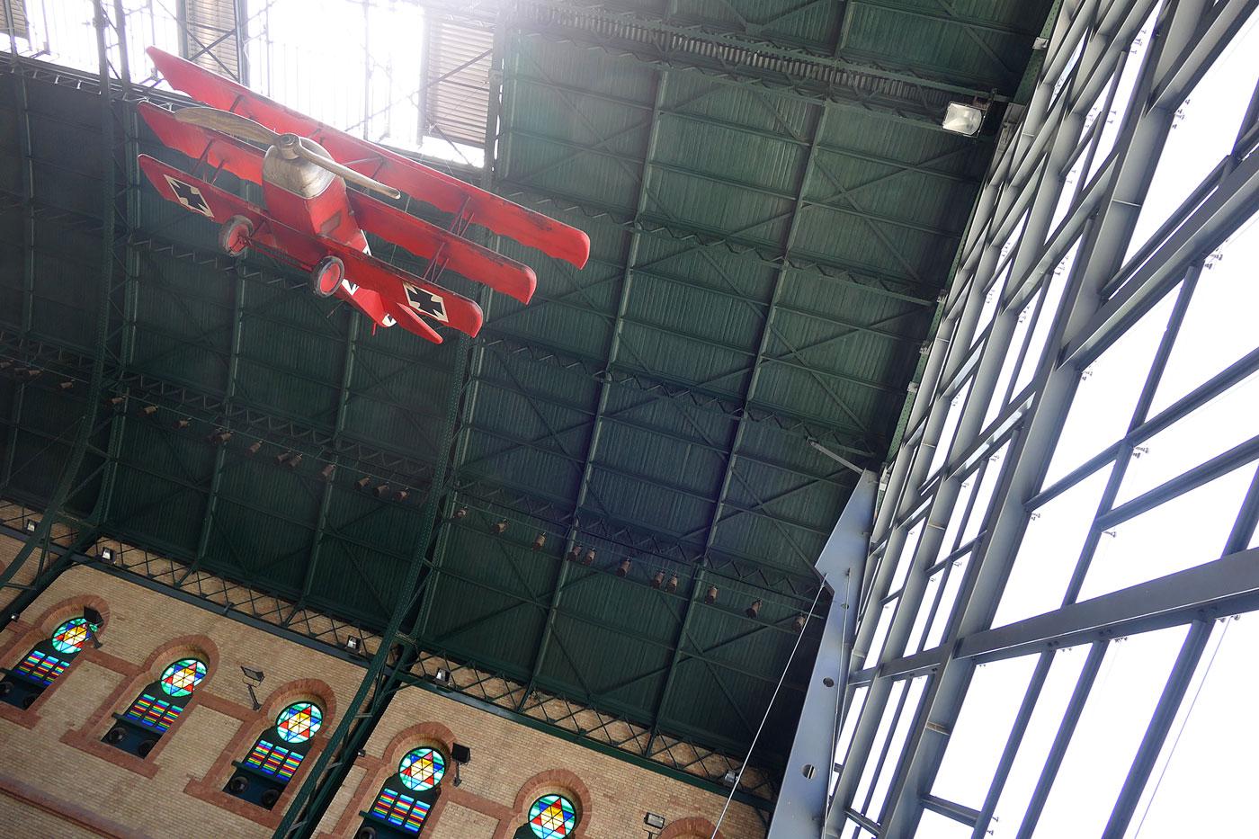 aeroplano cubierta antigua estacion cordoba sevilla cristalera