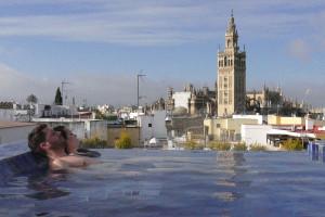 aire sevilla ancient baths giralda