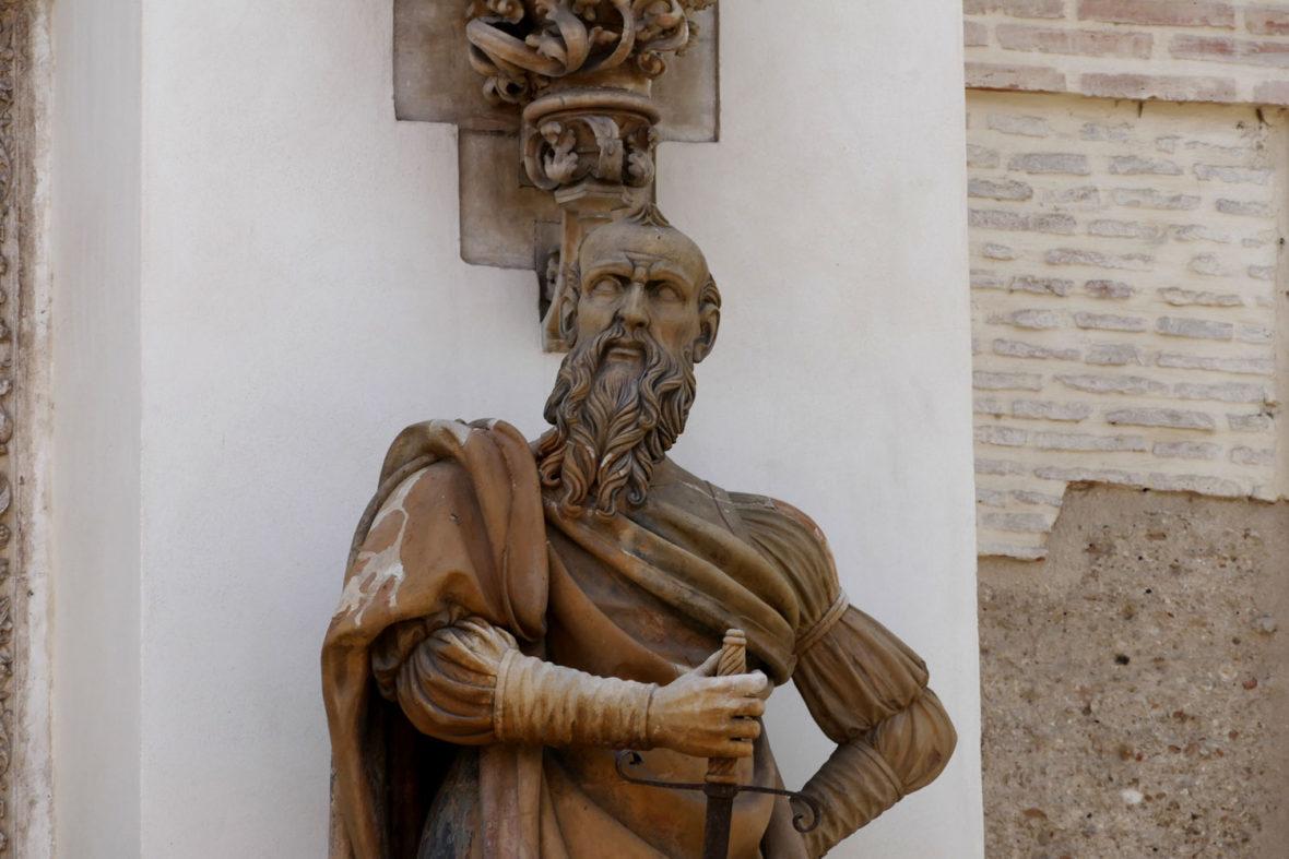 detalle estatua puerta perdon catedral sevilla