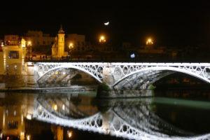 puente triana sevilla noche