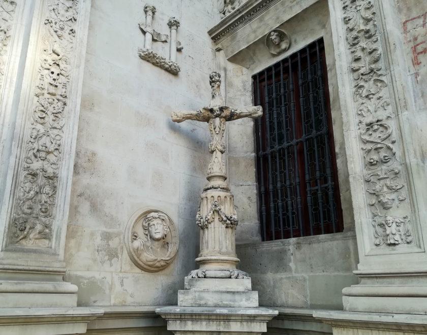 cruz inquisicion ayuntamiento sevilla