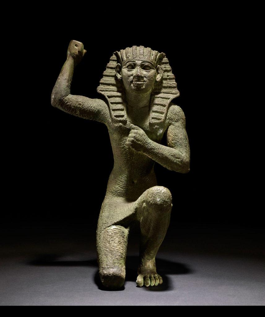 escultura faraon rey egipto caixaforum sevilla