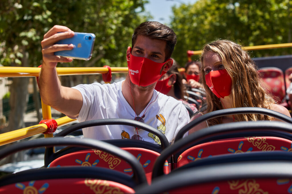city sightseeing sevilla tour masks covid