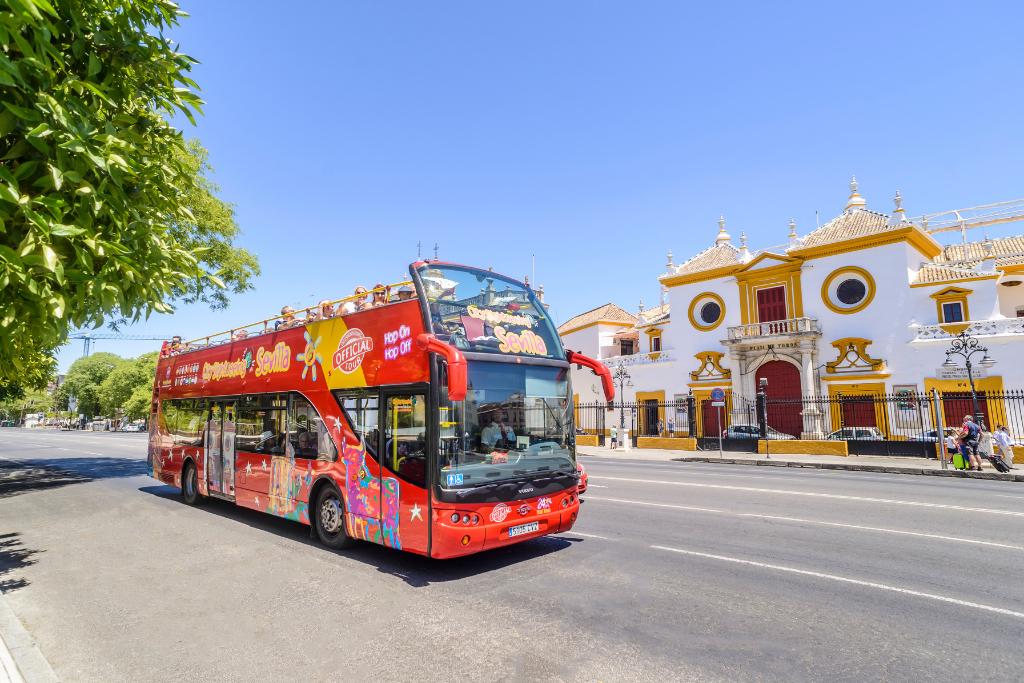 city sightseeing sevilla plaza toros