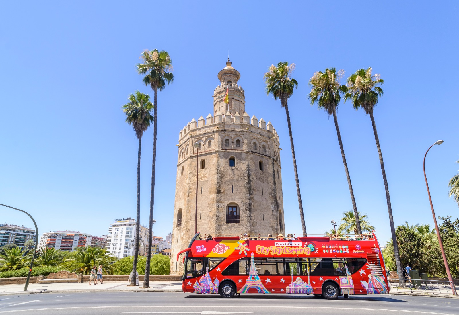 bus city sightseeing torre oro sevilla