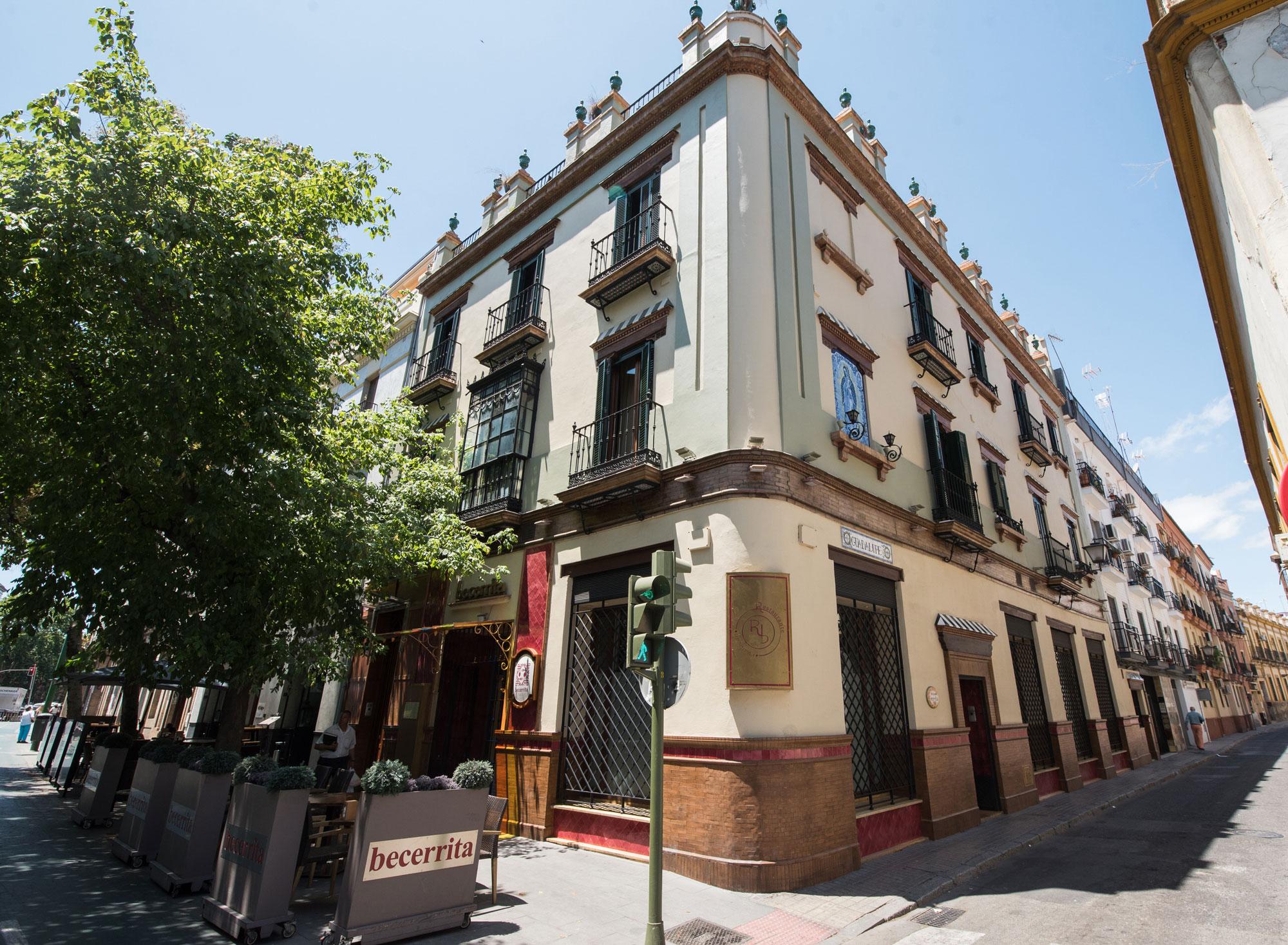 restaurante becerrita sevilla fachada